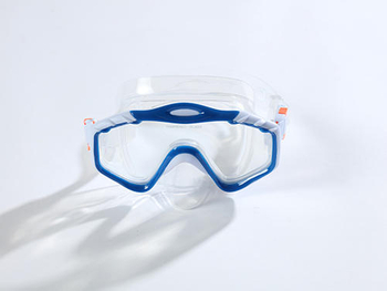 Three kinds of materials commonly used in diving glasses on the market